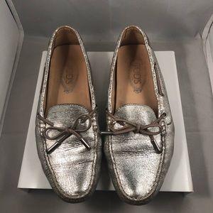 Women Tod's Gommino Leather Metallic Driving Shoe